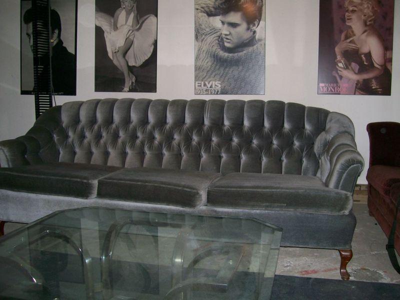 Grey. 12 Vintage Furniture Deals   Kijiji   Craigslist Montreal