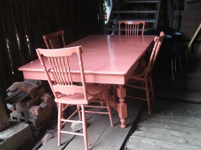 Pink Dining Table Chairs An East Lake Style Vintage Plus Four All Painted Measures 44 1 2 Wide And 50 Long Expanding To 74