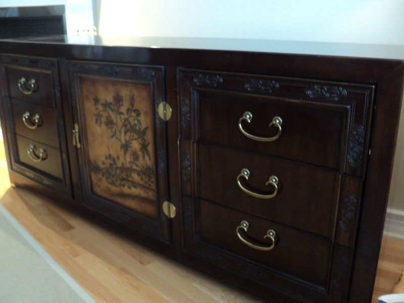 Asian furniture montreal digs for Meuble antique montreal