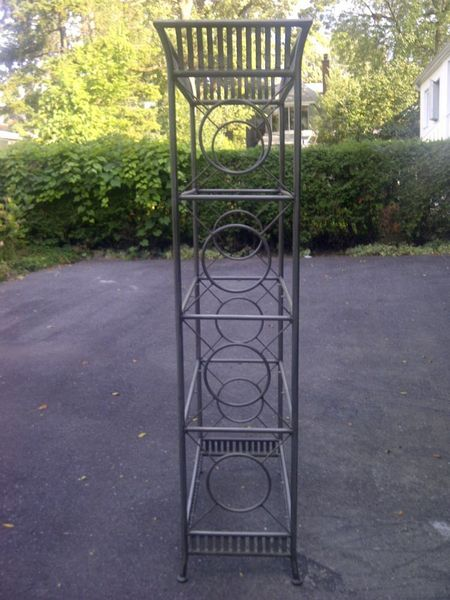 Herman miller montreal digs - Montant etagere metal ...