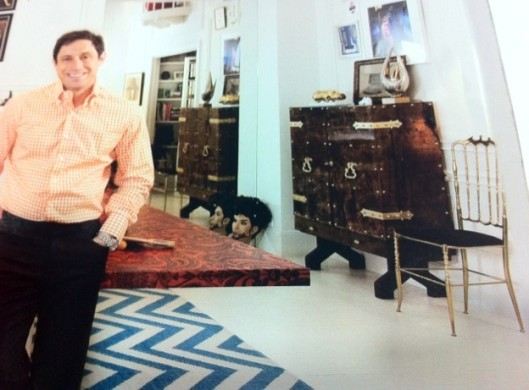 Jonathan Adler's apartment. Architectural Digest.