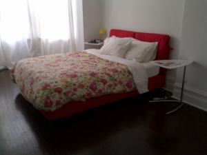 Nathalie.Bed.Flou.Red.Kijiji