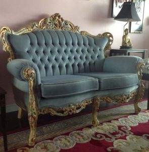 Baroque.Loveseat