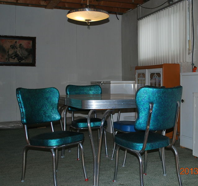 Blue Kitchen Table And Chairs: Montreal Kijiji + Craigslist Furniture Picks