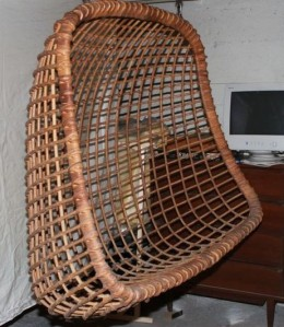 Hanging.Wicker.Chair