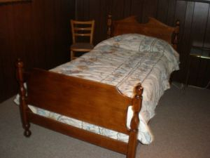 Pair.Maple.Twin.Beds