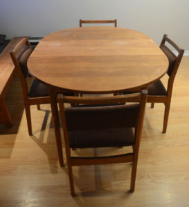 Retro.Wood.Dining.Set
