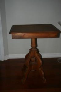 Antique.Accent.Table