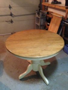 Oak.Round.Dining.Table