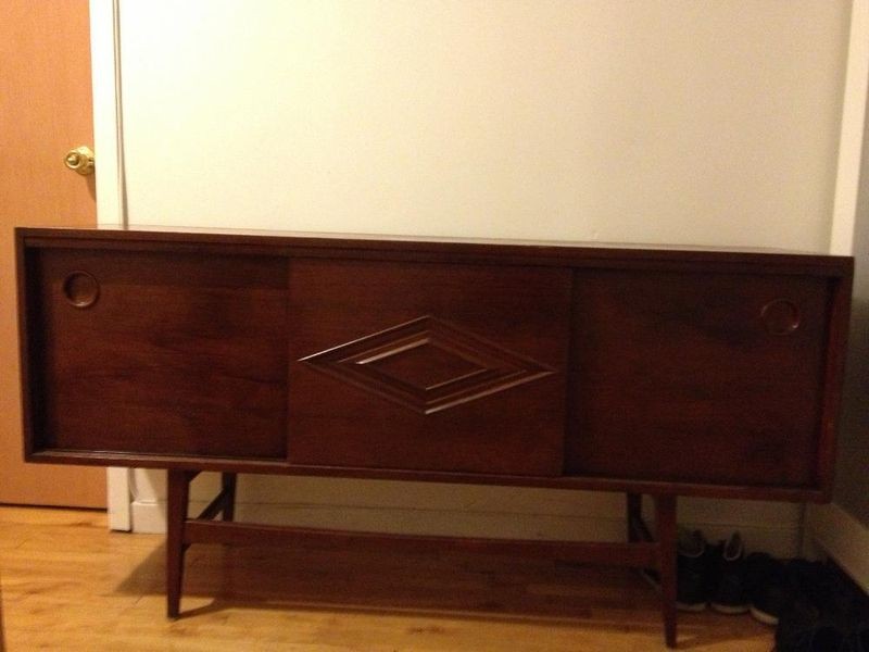 Steal alert mid century credenza for 75 montreal digs for Meuble mid century montreal