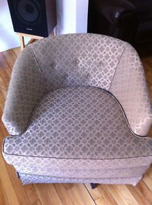 Vintage.Lilac.Armchair