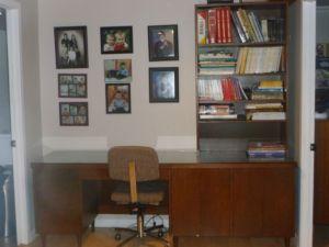 Desk.Bookshelf