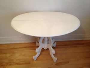 Round.White.Shabby.Coffee.Table