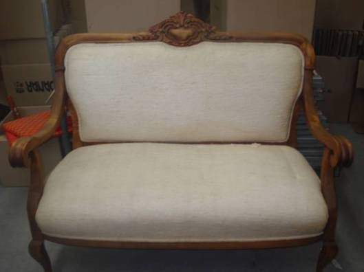 Antique.Settee