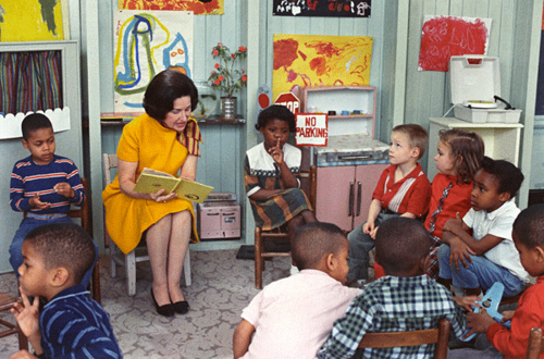 Lady.Bird.Johnson.Reading.To.Classroom