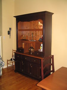 Pine.Sideboard.Hutch
