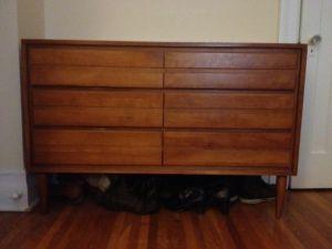 Vintage.Dresser