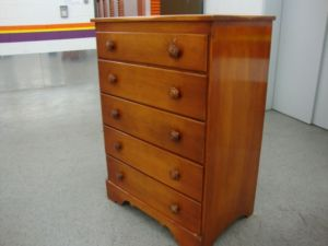 Wood.Dresser